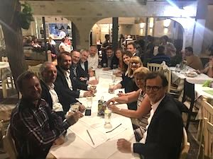 Traditionelles Abendessen in Athen - Morison KSi Conference Athen
